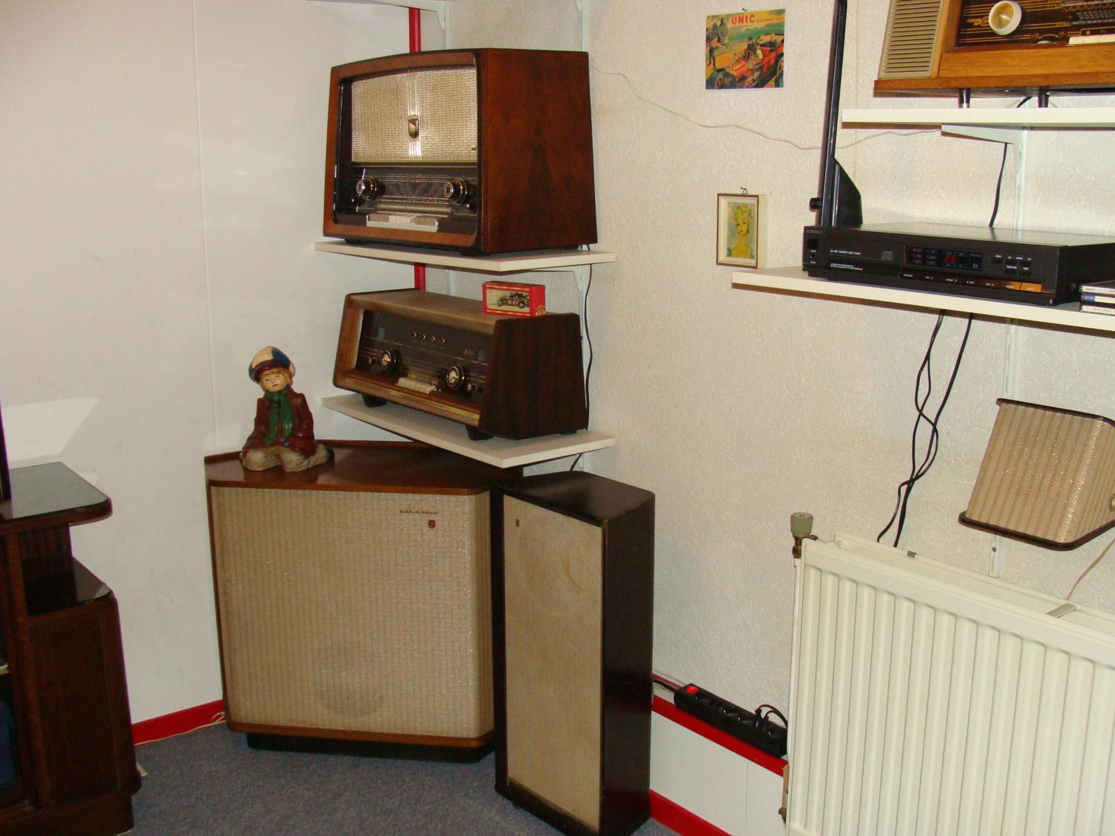 Tijdelijke inrichting kamer zestiger jaren spullen buizenradioclub - Kamer inrichting ...